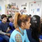 žáci v knihovně