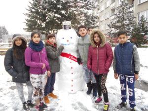 stavba sněhuláka